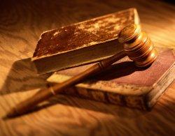 Суд отклонил иск депутатов по голосованию законопроекта «Об основах государственной языковой политики»