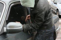 Автоугонщик в столице скрываясь от полицейских сбил насмерть пешехода