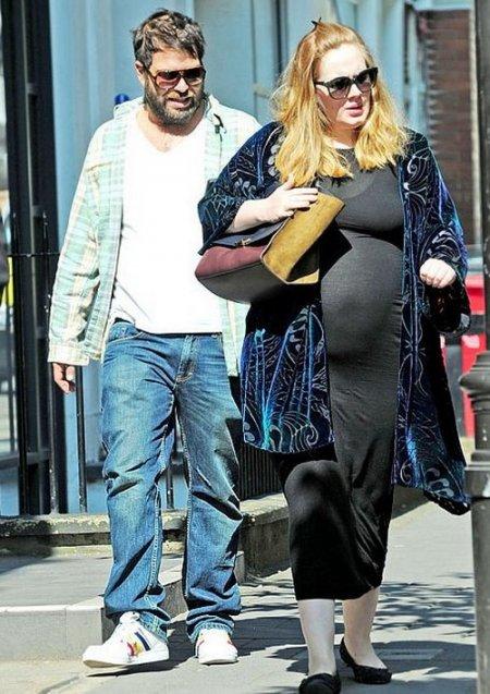 Адель беременна? (2 фото)