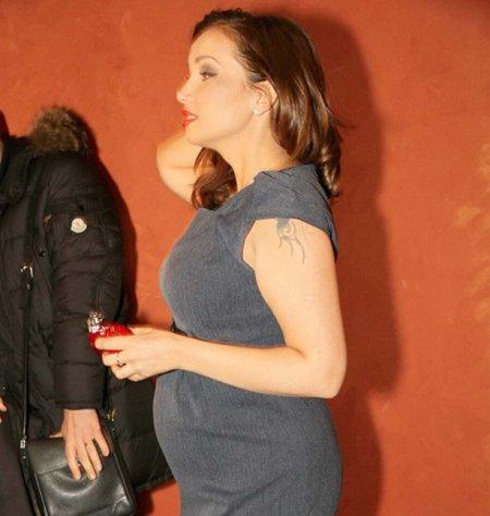 Анфиса Чехова снова беременна? (4 фото)