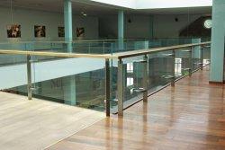 Ограждения из стекла: сфера применения и достоинства