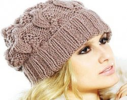 Тепло и практично – женские вязаные шапки