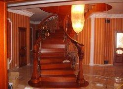 """Лестницы по индивидуальному заказу от компании """"АльбероДеко"""""""
